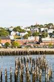 Portland-Hafen mit alten Beiträgen Stockbild