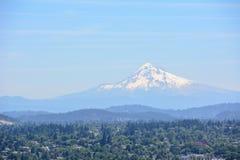 Portland i góra kapiszonu panorama Portland, Oregon, usa Obraz Stock