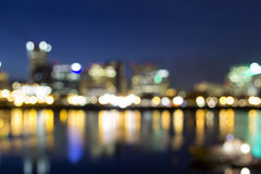 Portland im Stadtzentrum gelegen aus Fokus-Stadt-Lichtern heraus Lizenzfreie Stockfotos