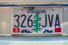 PORTLAND, OREGON - AUGUSTUS 19, 2017: De autoplaat van Oregon De aard is stock illustratie