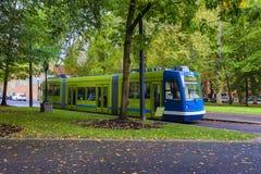 Portland Oregon Max Train em blocos de South Park Fotos de Stock Royalty Free