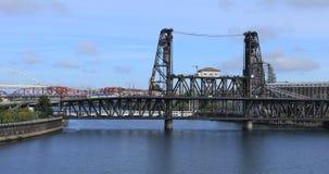 Portland, Oregon mosty nad Willamette rzeką 4K zbiory wideo