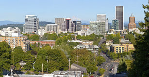 Portland Oregon skyline panorama with Mt. Hood. Royalty Free Stock Photos