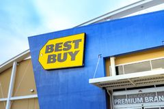 Best Buy Retail Store in Portland, USA. Portland, Oregon, United States - Dec 24, 2017 : Best Buy Retail Store front stock images