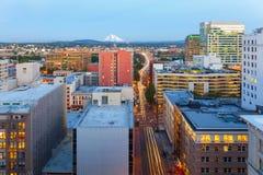Portland OU arquitetura da cidade ao longo da ponte EUA de Morrison fotografia de stock