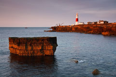 Portlandzka Bill latarnia morska na wczesnym poranku, Dorset. Obrazy Stock
