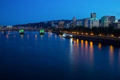 Portlandzka linii horyzontu i Willamette rzeka obraz stock