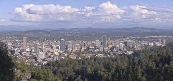 Portlandzka Oregon w centrum panorama od Pittock dworu Obraz Stock