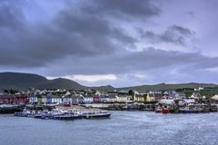 PORTMAGEE, IRELAND - AUGUST 15: Ships in the harbor of Portmagee stock photography