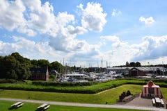 Porto ao lado de Muiderslot, castelo de Muiden na Holanda, os Países Baixos foto de stock royalty free