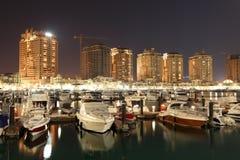 Porto Arabië bij nacht. Doha Royalty-vrije Stock Foto