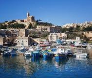 Porto attraccato barche dell'isola Goza immagine stock libera da diritti