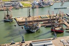 Porto attraccato nave della piattaforma di Rog fotografia stock