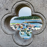 Porto attraverso una finestra Fotografia Stock