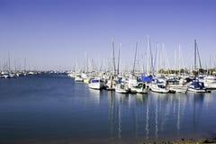Porto azul do barco foto de stock