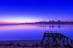 Porto bij zonsondergang over rivier Douro Gefotografeerd van Vila Nova de Gaia Stock Afbeelding