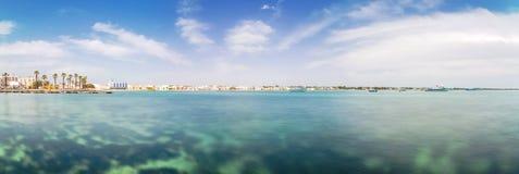 Porto Cesareo linia brzegowa w Ionian wybrzeżu, Włochy obraz stock