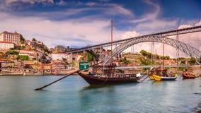 Porto, Cityscape van Portugal op de Rivier stock footage