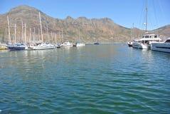 Porto com os barcos na baía de Hout, África do Sul Imagens de Stock