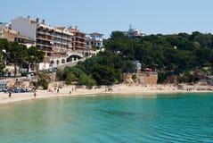 Porto Cristo straat en het strand, Majorca, Spanje Stock Fotografie