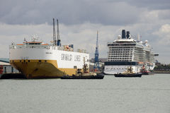 Porto da atividade de transporte de Southampton Reino Unido Imagem de Stock Royalty Free
