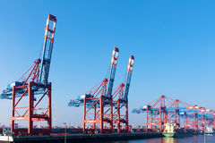 Porto da carga de Hamburgo, Alemanha Fotos de Stock Royalty Free