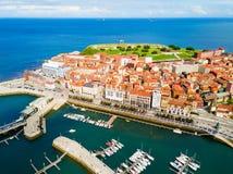 Porto da cidade de Gijon nas Astúrias, Espanha imagens de stock royalty free
