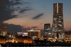 Porto da cidade de Yokohama no por do sol na véspera do ` s do Natal durante a estação do inverno Foto de Stock Royalty Free