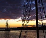 Porto da silhueta da embarcação Fotografia de Stock Royalty Free