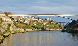 Porto: Das Douro Stockbild