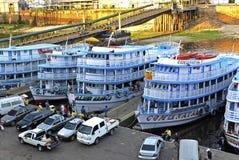 Porto de Brasil Manaus no negro de Rio foto de stock