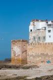 Porto de Essaouira em Marrocos, vista na arquitetura velha e cidade wal foto de stock