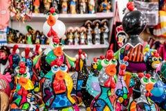 Porto De Galinhas plaża, Ipojuca, Pernambuco Brazylia, Wrzesień, -, 2018: Kurczaka rzemiosła statuy fotografia royalty free