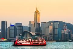 Porto de Hong Kong no por do sol. imagens de stock royalty free
