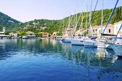 Porto de Kioni em Ithaca Grécia fotografia de stock royalty free