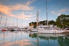 Porto de Mikrolimano em Atenas foto de stock royalty free