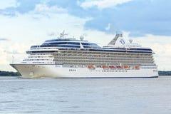 Porto de Oceania do navio de cruzeiros imagens de stock royalty free