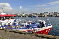Porto de pesca em Guilvinec em França fotos de stock