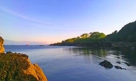 Porto de Roshin, Killybegs, na noite de um verão foto de stock