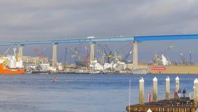 Porto de San Diego - vista de Coronado - CALIF?RNIA, EUA - 18 DE MAR?O DE 2019 vídeos de arquivo