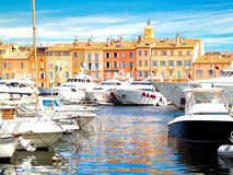 Porto de StTropez, France do iate Foto de Stock