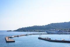 Porto de Thassos na luz do dia fotografia de stock royalty free