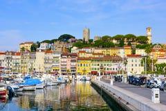 Porto de Vieux em Cannes, França fotos de stock royalty free