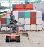 Porto del contenitore di carico Immagini Stock Libere da Diritti