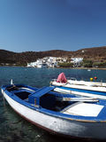 Porto del paesino di pescatori della spiaggia Grecia di Faros Sifnos Gilfos Fotografia Stock
