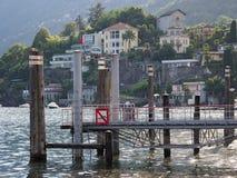 Porto del porticciolo nel centro urbano della città di viaggio ASCONA in Svizzera Fotografia Stock
