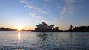 Porto del teatro dell'opera di Sydney stock footage
