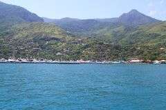 Porto della barca a vela Ilhabela - nel Brasile Fotografia Stock Libera da Diritti