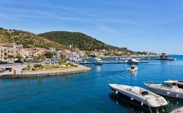 Porto di Acciaroli, Salerno fotografia stock libera da diritti