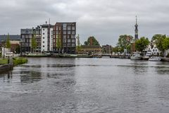 Porto di Alkmaar che entra nell'Olanda olandese fotografia stock